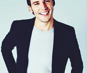 sam claflin, actor, and catching fire image