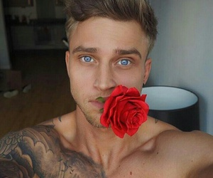 tattoo, красный, and blue eyes image