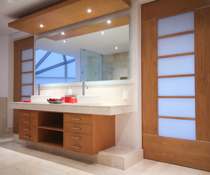 bath, luxury, and Real Estate image