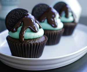 cupcake, chocolate, and oreo image