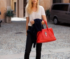 style and red image