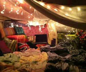 light, bedroom, and blanket image