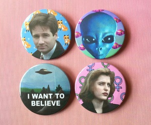 90s, aliens, and buttons image
