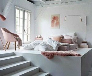 bed and treppen image