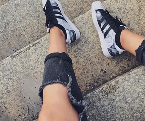 'shoes', 'black', and 'adidas' image