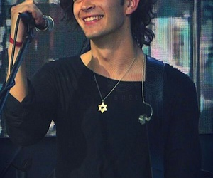 the 1975, smile, and matt healy image