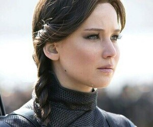 Jennifer Lawrence, katniss everdeen, and hunger games image