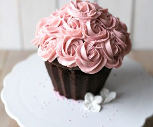 cupcakes, floral, and food image