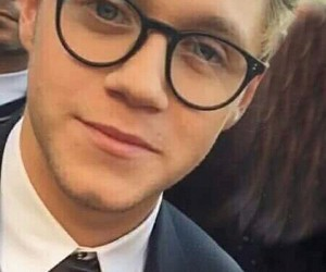 niall horan, glasses, and 1d image