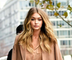 gigi hadid, fashion, and hair image