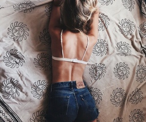 girl, bed, and body image