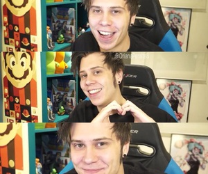 video, youtube, and elrubius image