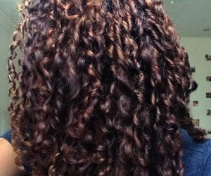 curls and natural image