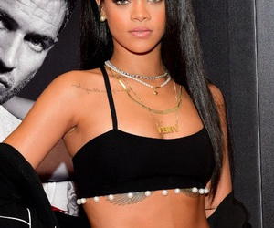 model, rihanna, and necklace image