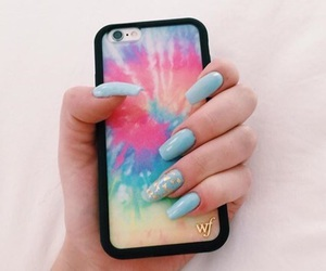nails and wildflowercases image