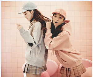 friend, girls, and ulzzang image