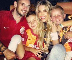 win, cimbom, and wesley sneijder image