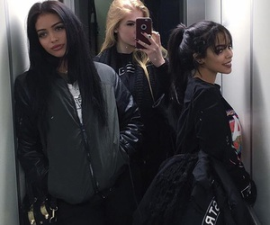 girl, beauty, and friends image