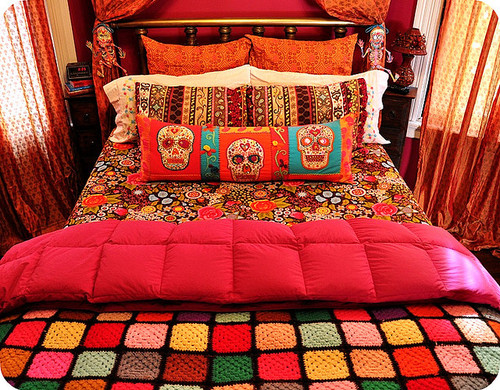 Bedroom Bright Decor Orange Pink Skulls - PicShip