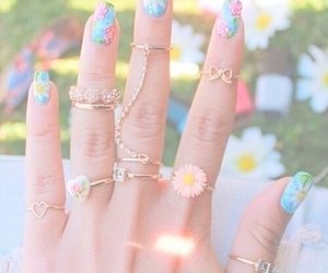 accesories, nail art, and flowers image