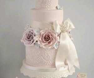 cake and wedding cake image