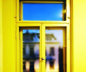 amarillo, hermosas, and personas image