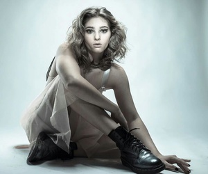 willow, hunger games, and primrose everdeen image
