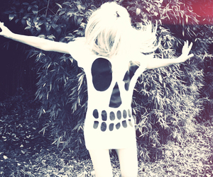 girl, skull, and blonde image