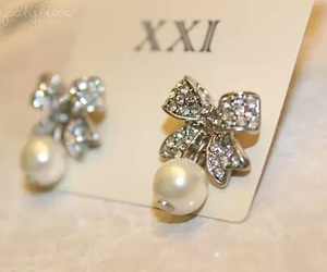 bow, earrings, and girly image