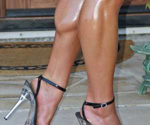 feet, sexy, and bodybuilding image