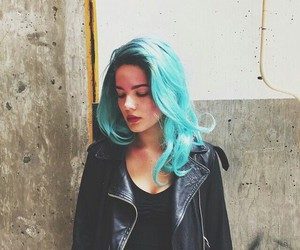 blue, bluehair, and halsey image