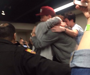 group hug, taylor caniff, and aaron carpenter image