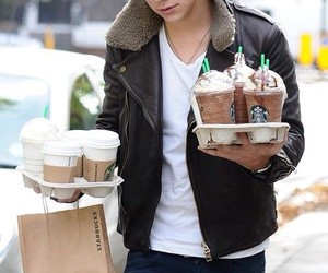 Harry Styles, one direction, and starbucks image
