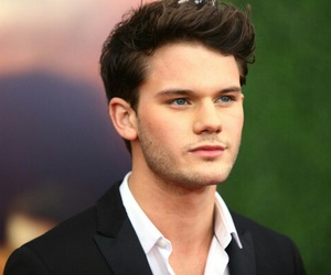 jeremy irvine and Hot image