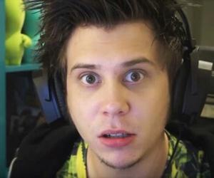 youtuber and elrubiusomg image