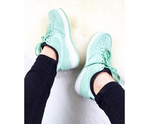 mint, sneaker, and nikeairforce image