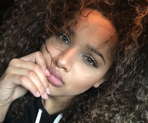 beauty, curly hair, and baddie image
