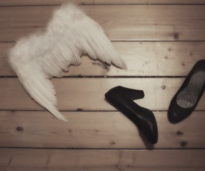 angel, feather, and pumps image