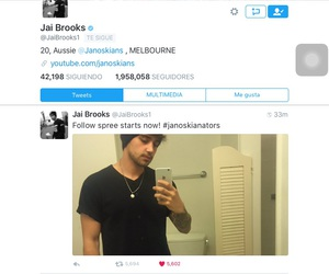 beau, follow, and selfie image