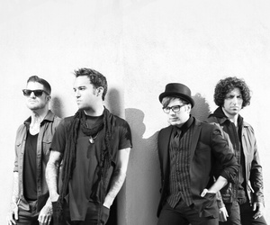 fall out boy, wallpaper, and famosos image