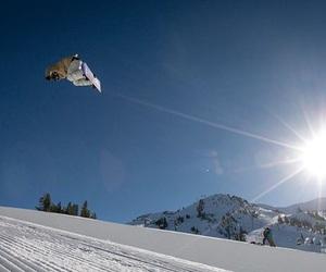 snow, snowboard, and sun image