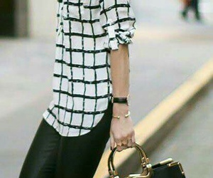 blusa, cartera, and shoes image