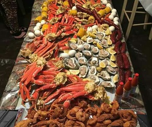 clams, crabs, and sausages image