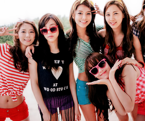 snsd, jessica, and sooyoung image