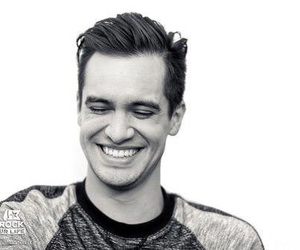 brendon urie, panic! at the disco, and P!ATD image