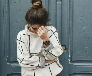 bun and fashion image