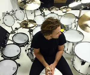 ashton, 5 seconds of summer, and 5sos image