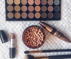 beauty, makeup, and eyeshadow image