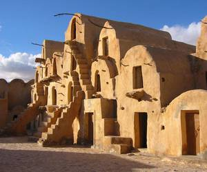 architecture, star wars, and tatooine image