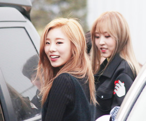mamamoo and whee in image